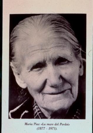 [Riproduzioni di ritratti di Maria Piaz, prima baracca al Passo Pordoi e costruzione della strada del Pordoi]