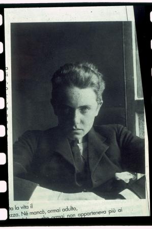 [Autore non identificato, ritratto di Ettore Zapparoli in età giovanissima e lo stesso con Giorgio Brunner davanti alla capanna della Noire nel 1930]