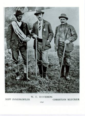 [Autore non identificato, ritratto di] Sepp Innerkofler, W.E. Davidson, Christian Klucker