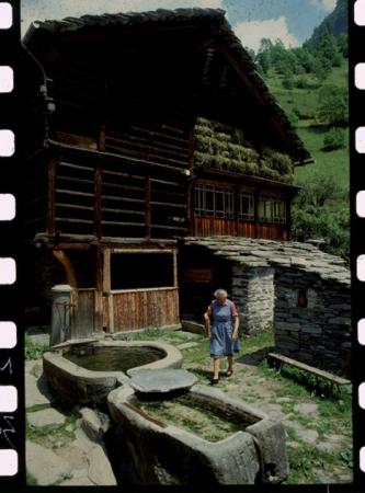 [Riprese varie della Valsesia: case Walser ad Alagna e Sacro Monte di Varallo]