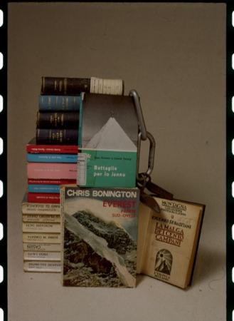 [Libri, riproduzioni di locandina di film e copertina di VHS]