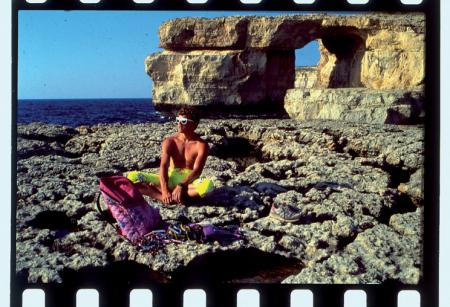 [Arrampicare sulle rocce di Calipso: Simone Moro a Malta]