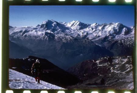 [Riprese varie: alpinismo nel Vallese, Zinalrothorn]