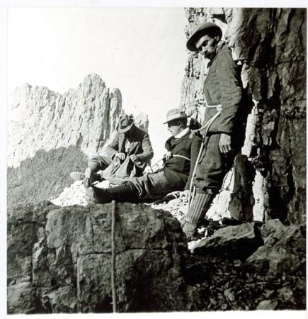 [Autore non identificato, Alberto I Re del Belgio in arrampicata]
