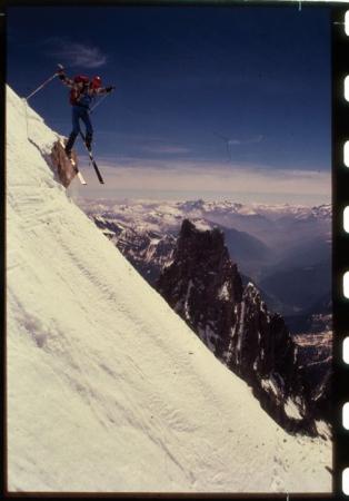 [Sci estremo: riprese varie di alpinista sul Monte Bianco, nell'area del Pic Eccles]