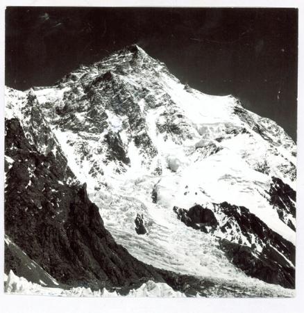 K2 dal campo base italiano (Desio) [e ritratti di partecipanti alla presentazione della mostra e rassegna di film sul K2]
