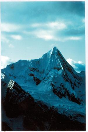 Jirishanca Chico (5427 m) Cordillera de Huayhuash