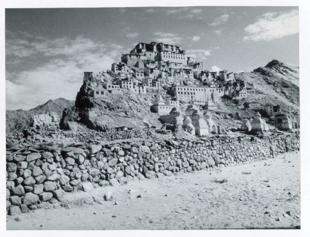 [Riprese varie di paesaggi, abitanti e patrimonio culturale del Ladakh]