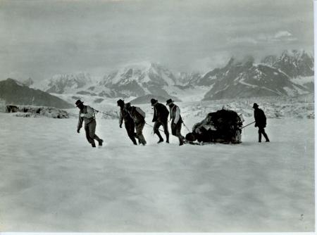 Traversando il ghiacciaio Hitchcook