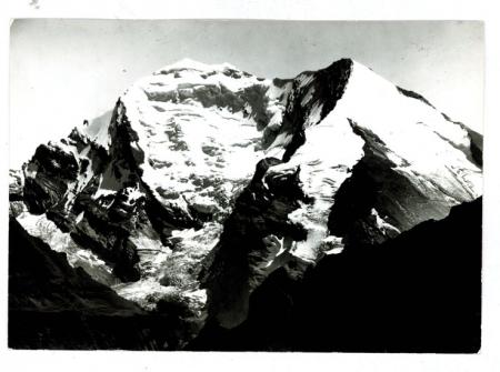 [Riprese varie di vette nell'Oberland Bernese]