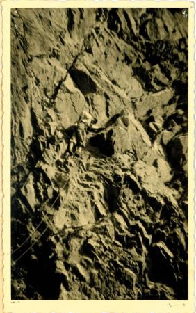 Nino Oppio durante la prima ascensione in Grigna, parete E del Dente