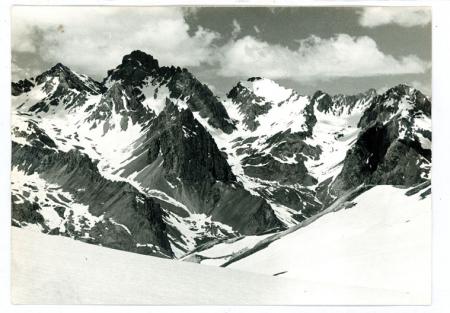 [Riprese varie: il Passo Gardetta verso Oronaye; l'Oronaye dal Col Touriac]
