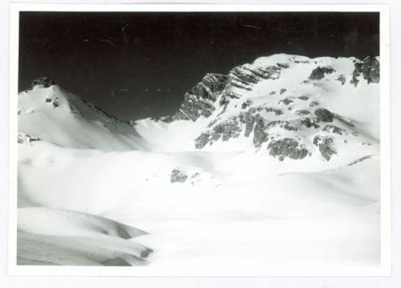 [Riprese varie della Punta Trois Evechèes, del Monte Enciastraia e del Vallone del Pouriac]