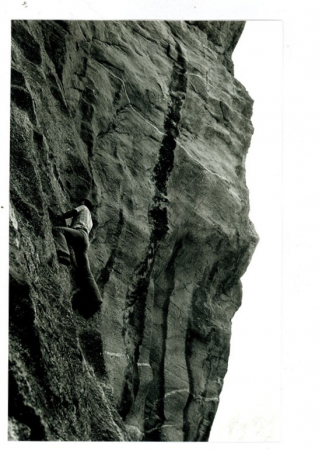 [Riprese varie di pareti rocciose e arrampicata sul Sasso Remenno]