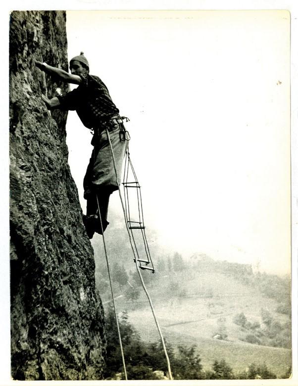 Carlo Rusconi [mentre arrampica]