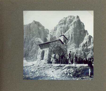 """Club Alpino Italiano S.O.S.A.T. Sezione Operaia della Società Alpinisti Tridentini: Trento. 27 agosto 1961 - Inaugurazione """"Sentiero S.O.S.A.T. della Via delle Bocchette"""" (Gruppo di Brenta)"""