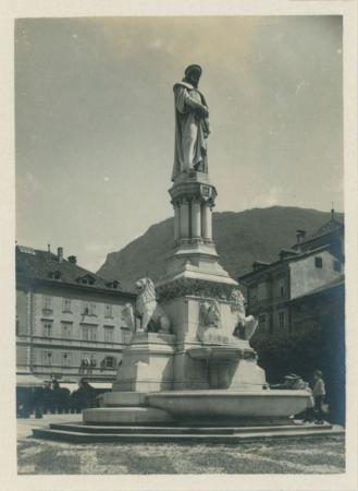 Bolzano. 12 vedute