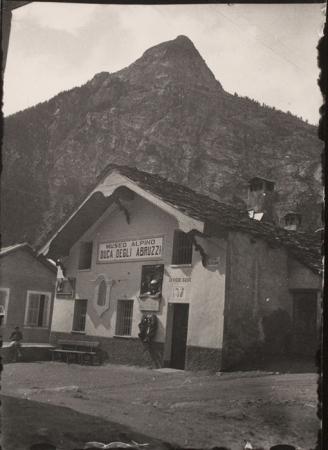 [Museo Alpino Duca degli Abruzzi a Courmayeur]