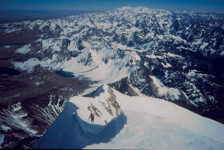 [Riprese varie di alpinismo in Bolivia e in località non identificata, arrampicata alle Calanques]