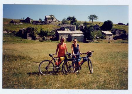 [Riprese varie di escursioni in mountain bike sulle Alpi Apuane, dalla Versilia alla Garfagnana]