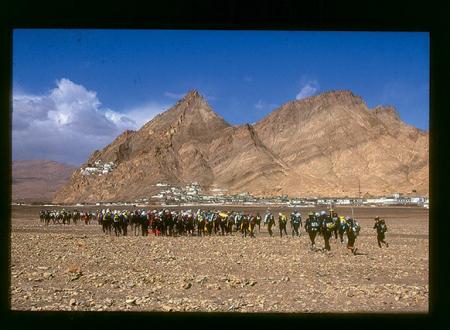 [Riprese varie dell'edizione 2000 del Raid Gauloises in Tibet e Nepal]