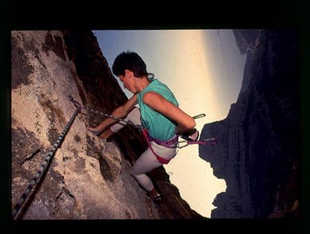 [Veduta di Marsiglia e riprese varie di arrampicata alle Calanques, La Paroi des Toits]