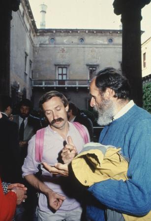 [Trento Film Festival 1987: partecipanti al convegno sull'alpinismo sull'Himalaya e premiazione]