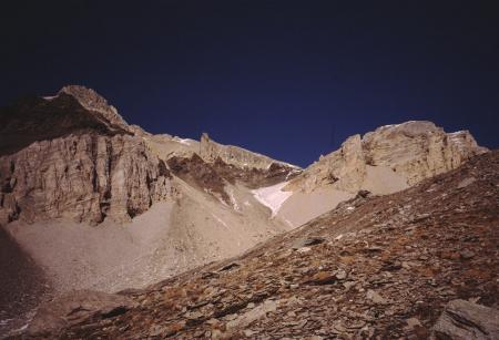 [Riprese varie di paesaggi alpini tra cui: Vallone Casses Blanches, miniera di Fourneaux, Monte Seguret, monumento con scultura bronzea su vetta non identificata]