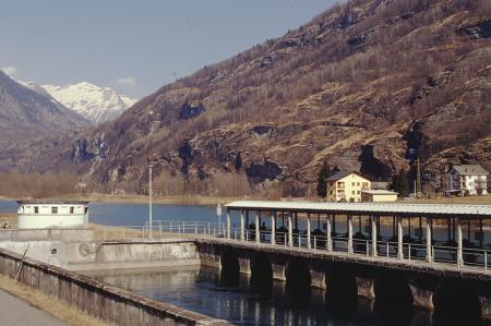 [Riprese varie della Val d'Ossola: dighe, laghi artificiali, centrali di Verampio, Cadarese, Morasco, Ponte, Goglio]