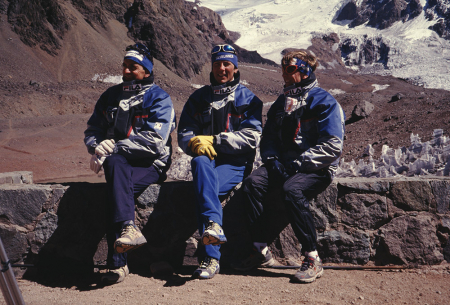 [J. Pellissier, Fabio Meraldi, Bruno Brunod in Argentina, campo base Aconcagua per corsa in montagna]