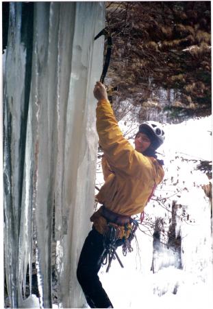 [Arrampicata su cascata di ghiaccio in Val Febbraro: Pio Guanella]