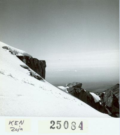 Presso la vetta della Lenana, si vede il Kilimangiaro