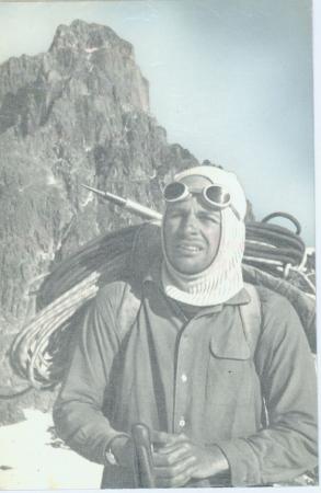 Kurt Diemberger dopo la scalata alla cima al Nelion