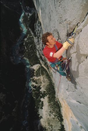 [Riprese varie di arrampicate e canyoning di Jean-Christophe Lafaille, Gorges du Verdon, 1. solitaria di Atlantide]