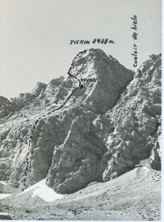 Prima ascensione assoluta, zoccolo nord est. Tiskin (3938 m.). [Spedizione spagnola]