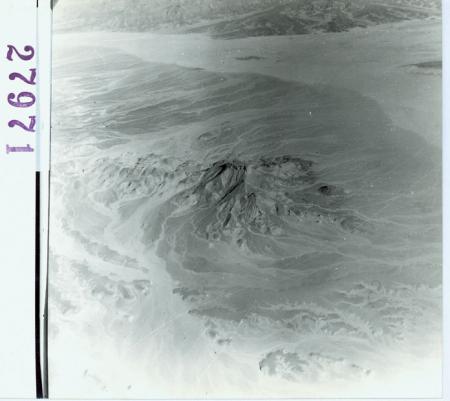 [Catena dell'Atlante Veduta aerea] a nord di F. Polignac. Distruzione di una montagna