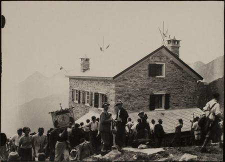 [Riprese varie, tra cui inaugurazione del Rifugio Rivetti nel 1935]