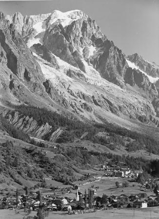[Veduta del Monte Bianco da Courmayeur]