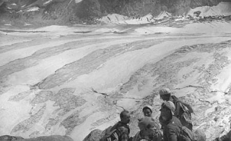 [Alpinisti sul Monte Bianco]