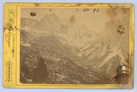 [Riprese della Val di Fassa: Catinaccio, Vajolon, Monzoni e Pozza di Fassa, Piramidi del Vajolon]