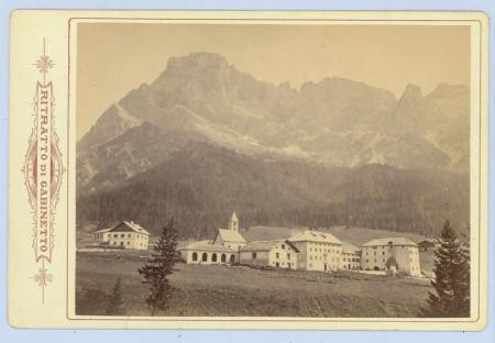 [San Martino di Castrozza con le Pale, Castel Pietra, Passo della Rosetta]