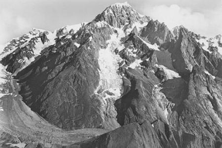 [234 - Cormaiore - M. Bianco m. 4810, ghiacciai di Miage, Broillà, Frèney e lago Miage m. 2050]