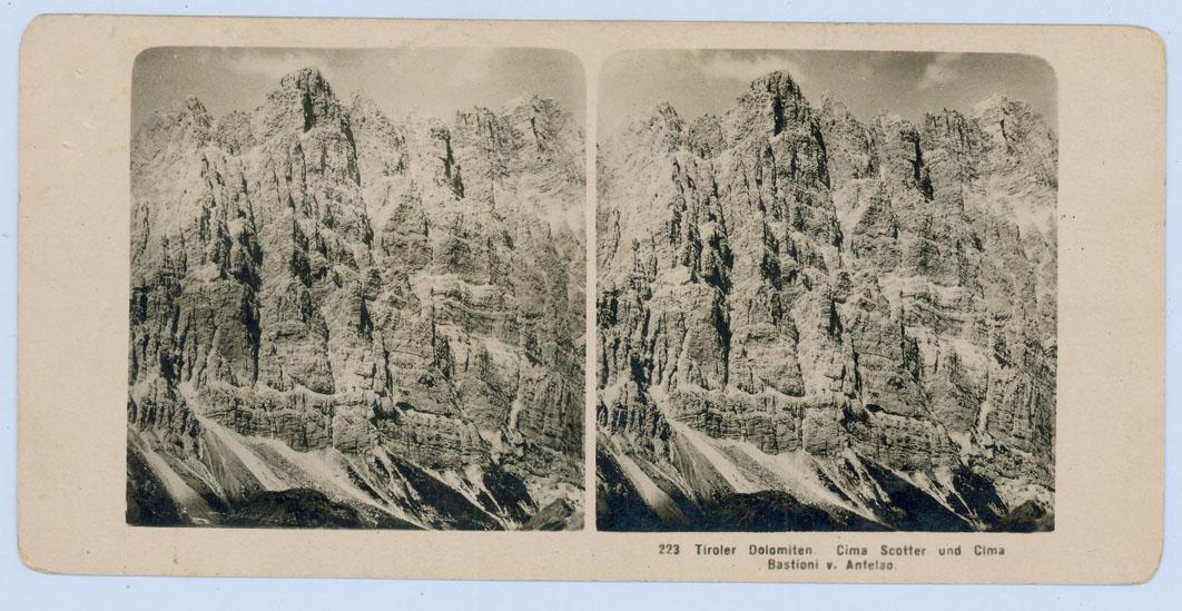 [Dolomiti venete: Rifugio Nuvolao, le Marmarole viste dal Passo delle Tre Croci, Cima Scotter e Cima Bastioni dall'Antelao]