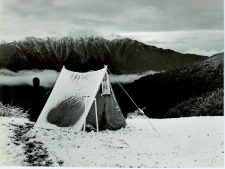 Nevicata presso il campo presso Kosch Laceketi Basch