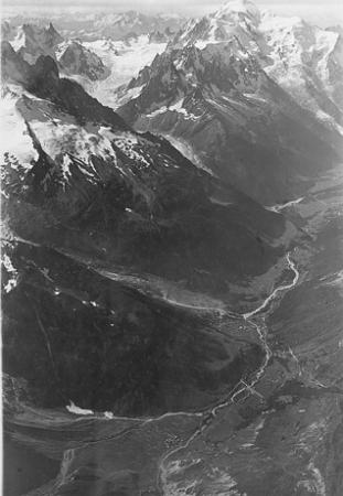[Argentière, Chamonix et Massif du Mt. Blanc du [...] à 4500 m. d'alt. au-dessus du Col de Balme]