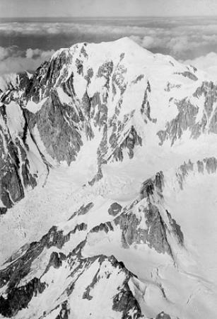 [Mt. Blanc, Col du Géant, Gl. de la Brenva v. O. 4900 m.]