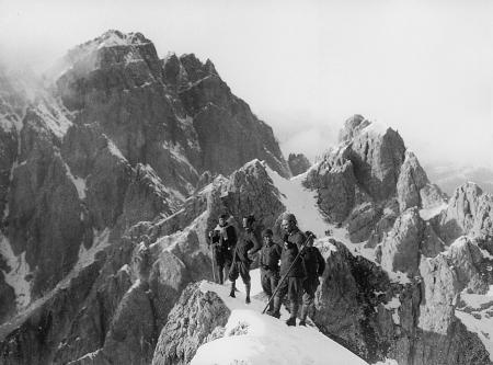 [Immagine scattata da Francesco Ravelli durante la Prima Guerra Mondiale 1915]