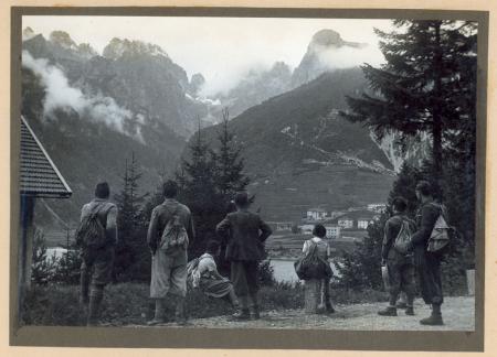 [Dolomiti di Brenta e Valle Rendena. Da Molveno gli 15 luglio 1934. Madonna di Campiglio]