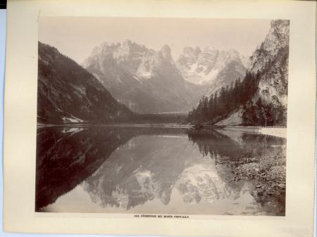 [Valle di Landro: Lago di Landro con il Monte Cristallo]