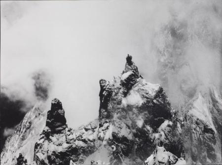 [Les Dames Anglaises dalla cresta Sud Est dell'Aiguille Blanche durante la bufera del 23 luglio 1913]